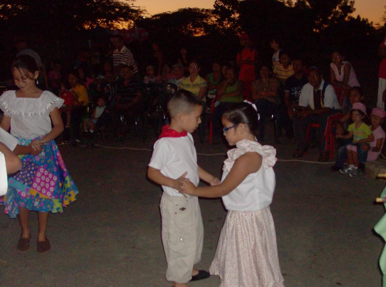 en línea negro bailando en San Cristóbal de La Laguna