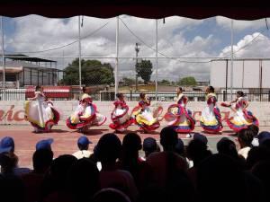 Baile de quirpa llanerisima. en las intalaciones centro civico Santa ...