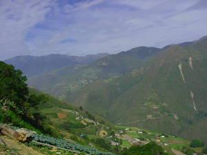 Cordillera cerca de Jajó