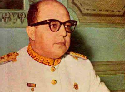Marcos Evangelista Pérez Jiménez (Michelena, Táchira; Venezuela. 25 de abril de 1914 - Alcobendas, España, 20 de septiembre de 2001) fue un militar y ... - marcos_perez_jimenez_53