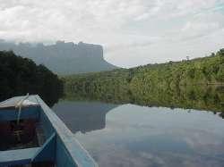 Navegando por el río Carrao