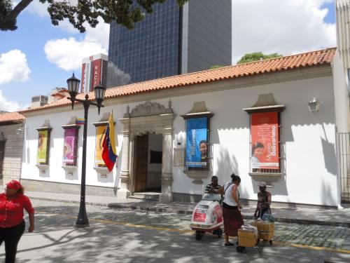 Museo Bolivariano Y Sociedad Bolivariana De Caracas Venezuela Tuya