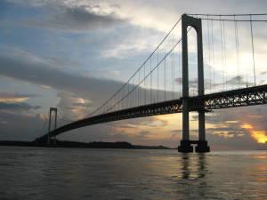 <br />El puente Angostura desde el río Orinoco