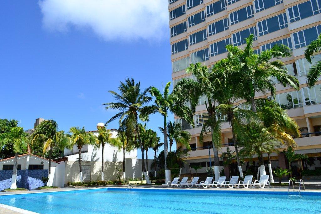 Hotel puerta del sol porlamar hotel venezuela tuya for Hotel puerta de sol