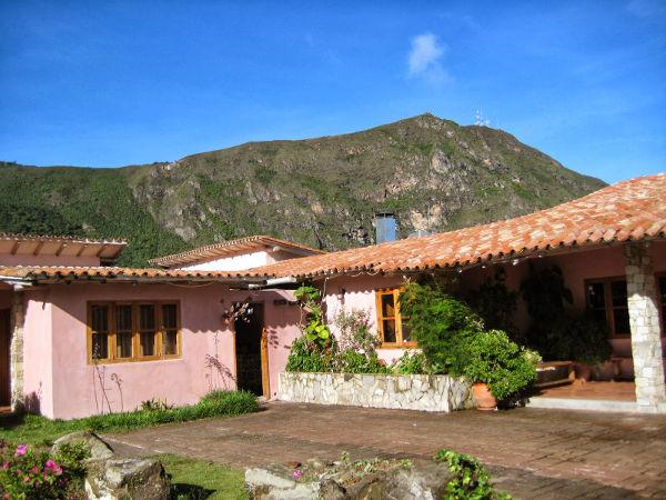 La hacienda vieja posada restaurant posada venezuela tuya for Casa de estilo campestre