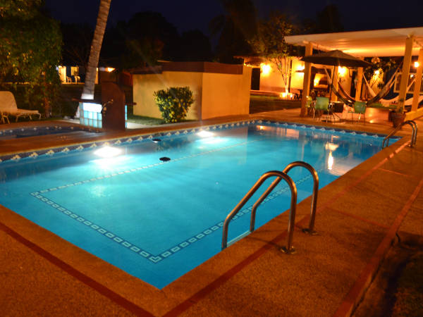 Posada margot posada venezuela tuya for Hoteles en merida con piscina