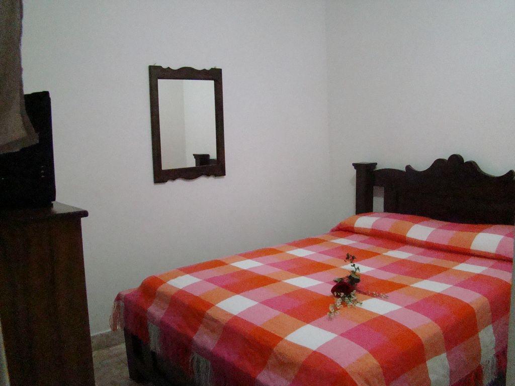 Hotel luna blanca hotel venezuela tuya for Cuarto para las 7