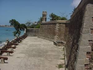 Pampatar y el castillo de san carlos de borromeo venezuela tuya - Almacenes san carlos ...