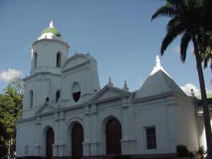 Iglesia Sur Plaza Bolívar
