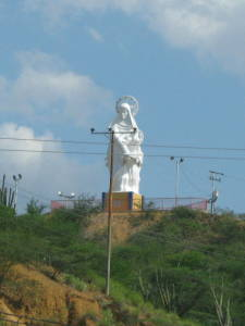 Estatua de la virgen